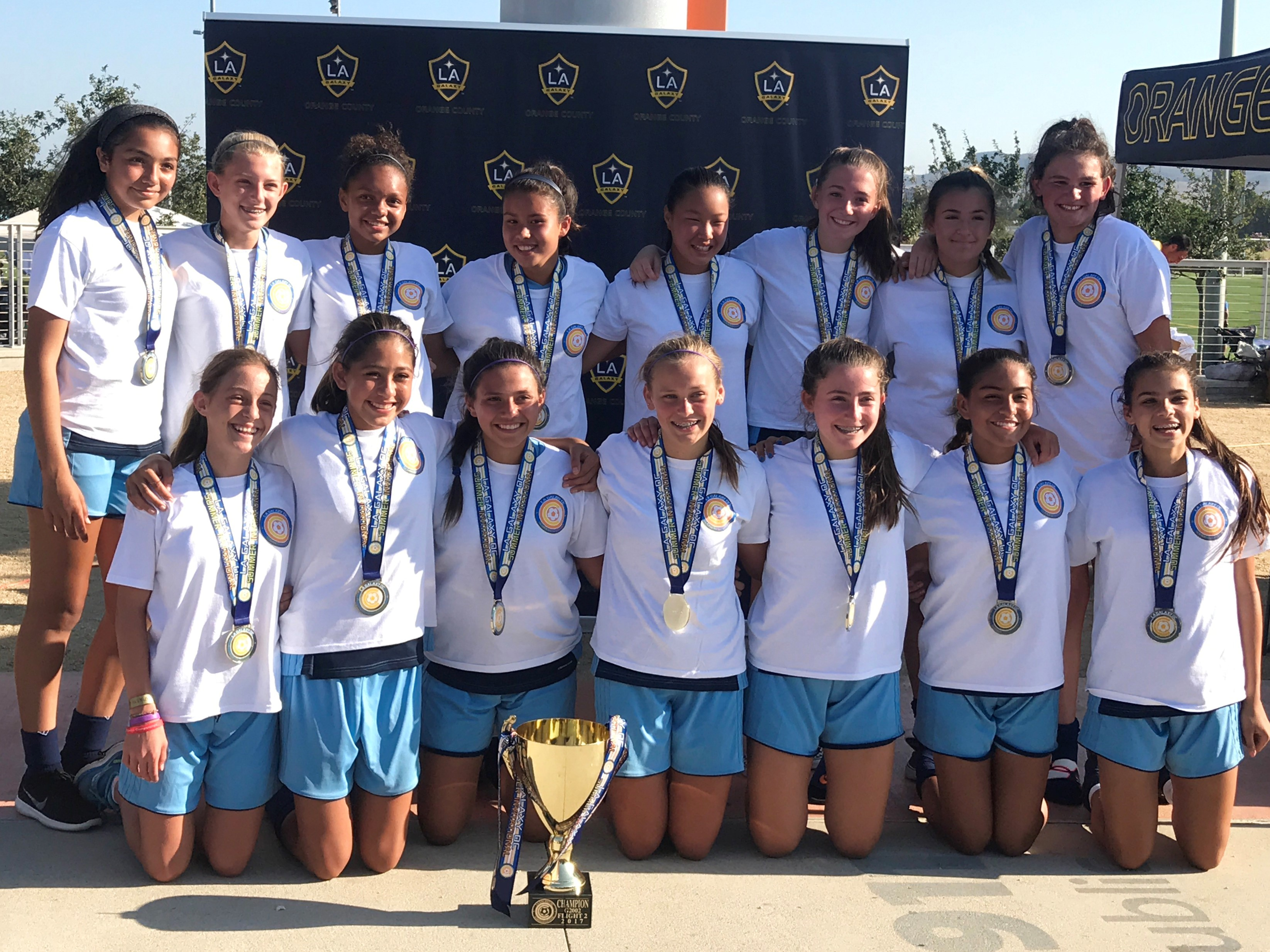 G2003 White Crowned Champions